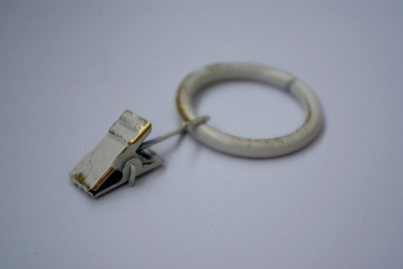 Vintage White Strong Metal Curtain Rings with Pincer Clips  image 0