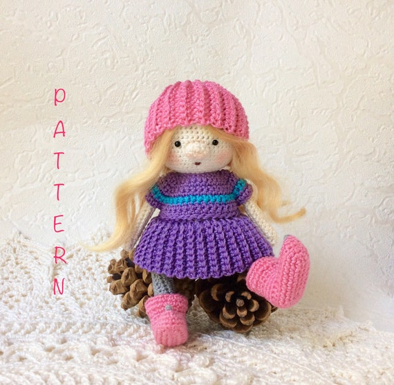 FREE Doll Crochet Patterns - The Lavender Chair | 556x570