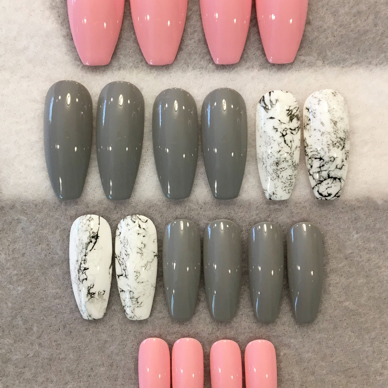 Pink And Gray Nails * Faux Marble Nails * Fake Nails * White And ...