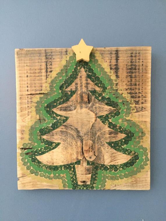 Christmas Tree Wall Decor Rustic Christmas Tree Pallet Wood Christmas Sign Handprinted Christmas Tree