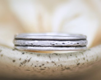 Rustic Wedding Band - Sterling Silver Womens Wedding Band Ring - Simple Hammered Band - Textured Stacking Ring - Rustic Pinky Ring -Size 5.5