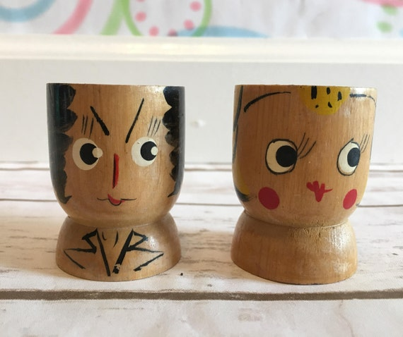 Paire de tasses à l'oeuf en bois homme & femme peints à la main   Made In Japan