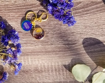Dried Flower Keychain, Herbal Resin Keychain, Botanical gifts for her, real dried flowers herbs, nature keepsake, travel art, floral