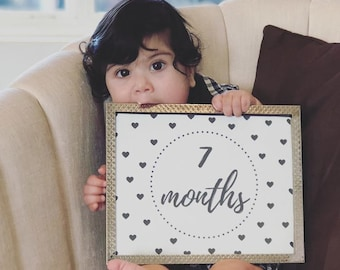Baby Milestone Printables - From 1 Month to 1 year old