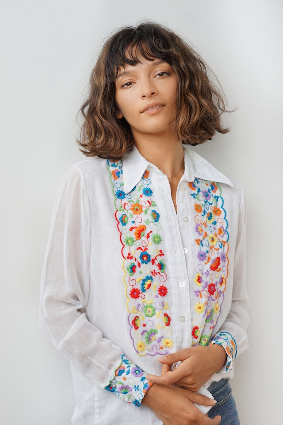 Vintage Floral Embroidered Blouse