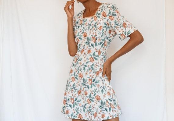 Vintage Summer Floral Dress - image 1