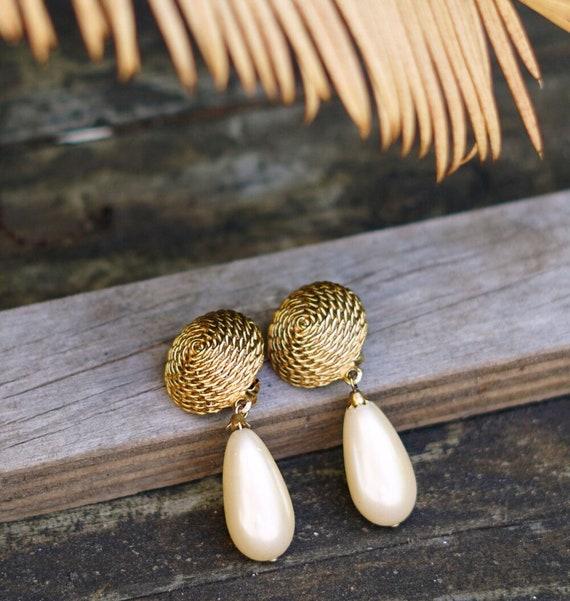 Vintage Pearl Teardrop Clip on Earrings