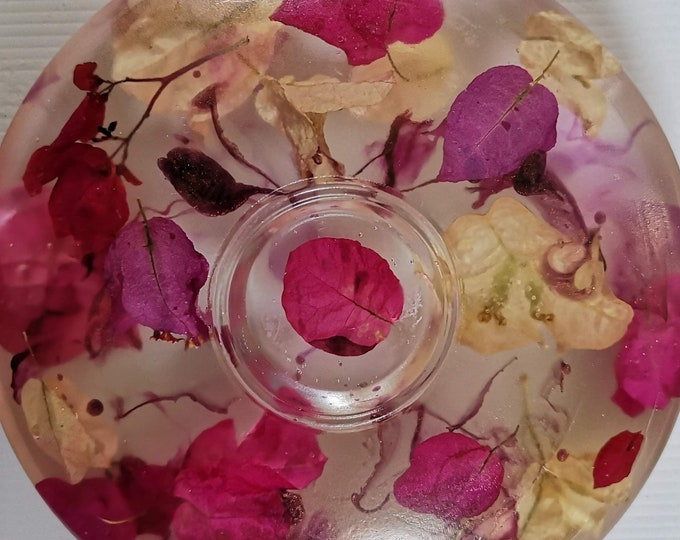 Resin and bougainvillea tea light candle holder