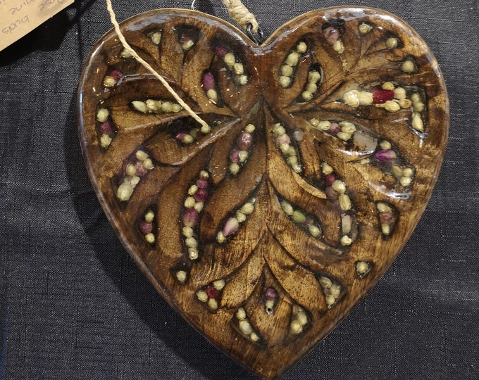 Filigree timber heart with rose and jasmine buds