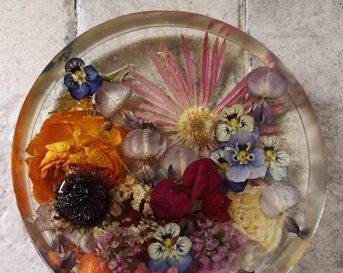 Dried Flowers and Resin Centrepiece
