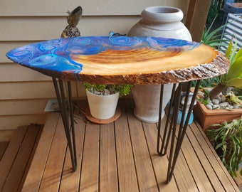 Resin coffee table - camphour laurel with original artwork