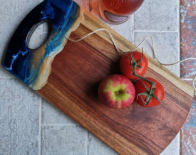 Timber serving board - camphour laurel and resin art