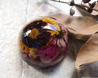 Resin paperweights with inclusions - dried flowers, stones, shells, sea glass