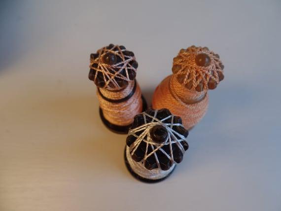 La Reine rayonne d'échecs bobine Trio fard bobine à joues fil bobine fard canette poudre rose pêche blanche couleurs vintage fête des mères 9538e6