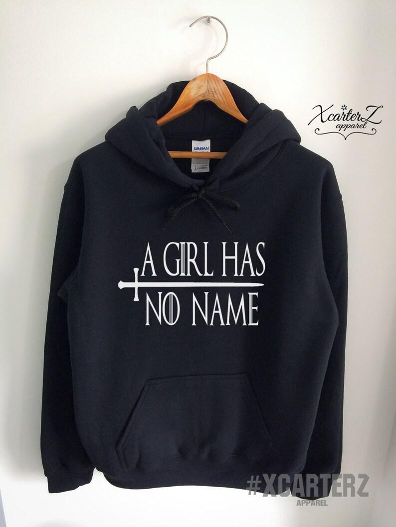66c8ca55d261 Une jeune fille n'a aucun nom sweat à capuche une fille n'a aucun nom pull  Arya sweat polaire chemise ras de cou femme unisexe filles hommes ...
