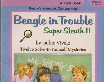 Beagle in Trouble Super Sleuth II A Troll Book (Paperback, Children's)  1986
