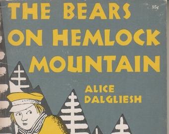 The Bears on Hemlock Mountain by Alice Dalgliesh  (Paperback Children's)  1960