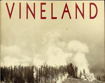 Vineland by Thomas Pynchon (Hardcover: Fiction) 1990FE