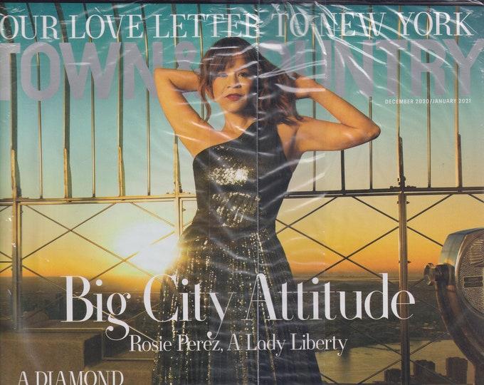 Town & Country December 2020 January 2021 Rosie Perez - Big City Attitude (Magazine: General Interest)