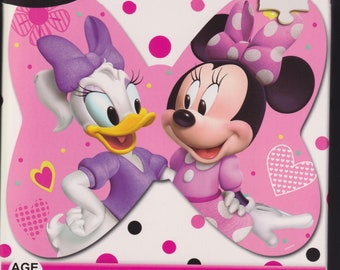 24 Piece Shaped Jigsaw Puzzle Minnie Mouse & Daisy Duck