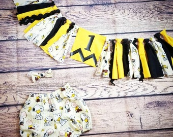 Charlie Brown birthday outfit- Charlie Brown birthday banner- snoopy birthday outfit- peanuts birthday banner- Charlie Brown shorts-bow tie