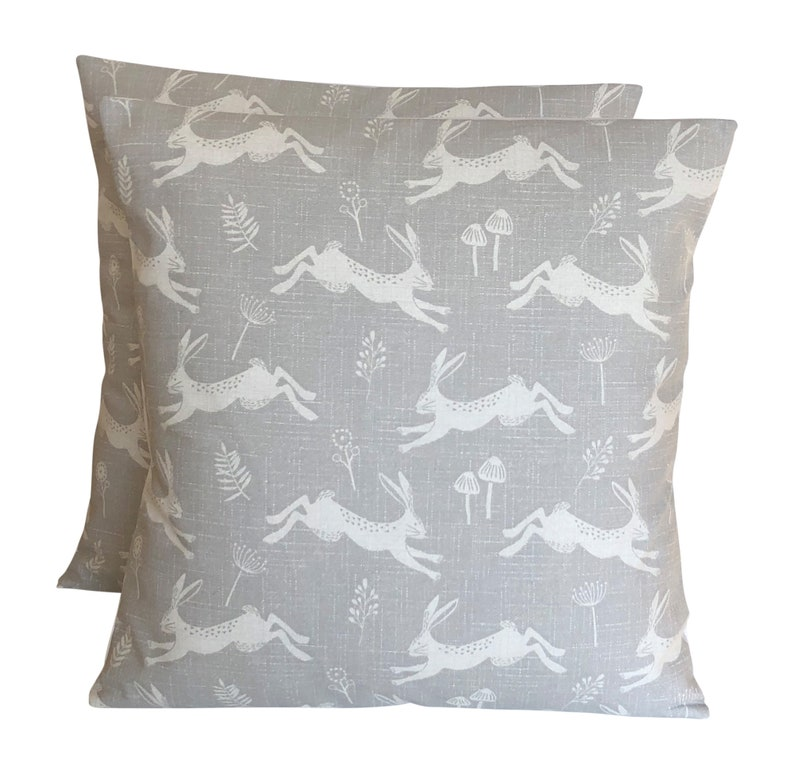 2 x 16 40cm x 40cmFryetts Scandi Style Jump Hares Silver image 0