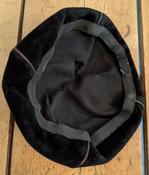 Vintage Brown Velvet Ladies Acorn Pixie Hat Beret… - image 4