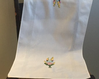 Vintage German Crewel Embroidered White Table Runner
