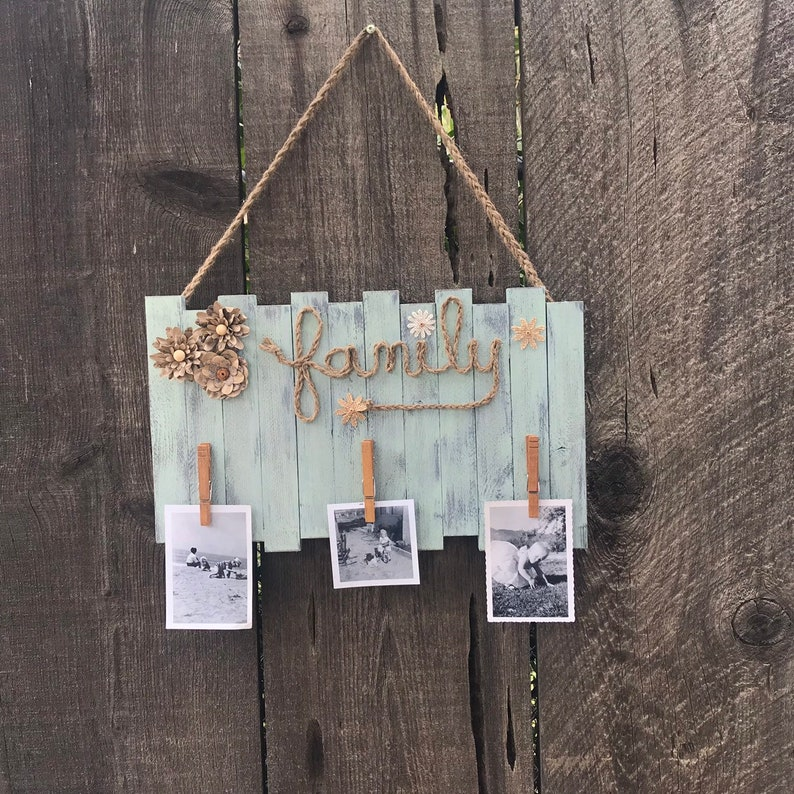 Family Picture Holder, Photo Display Wall Decor, Word FAMILY with Clothes  Pin Photo Holder, Rustic Family Wall Photo Holder