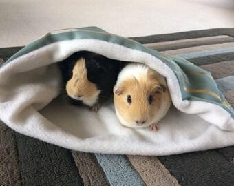 Blue daisy double guinea pig sackbed