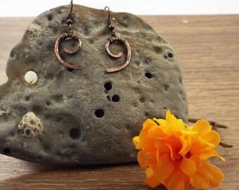 Simple Swirl Copper Earrings