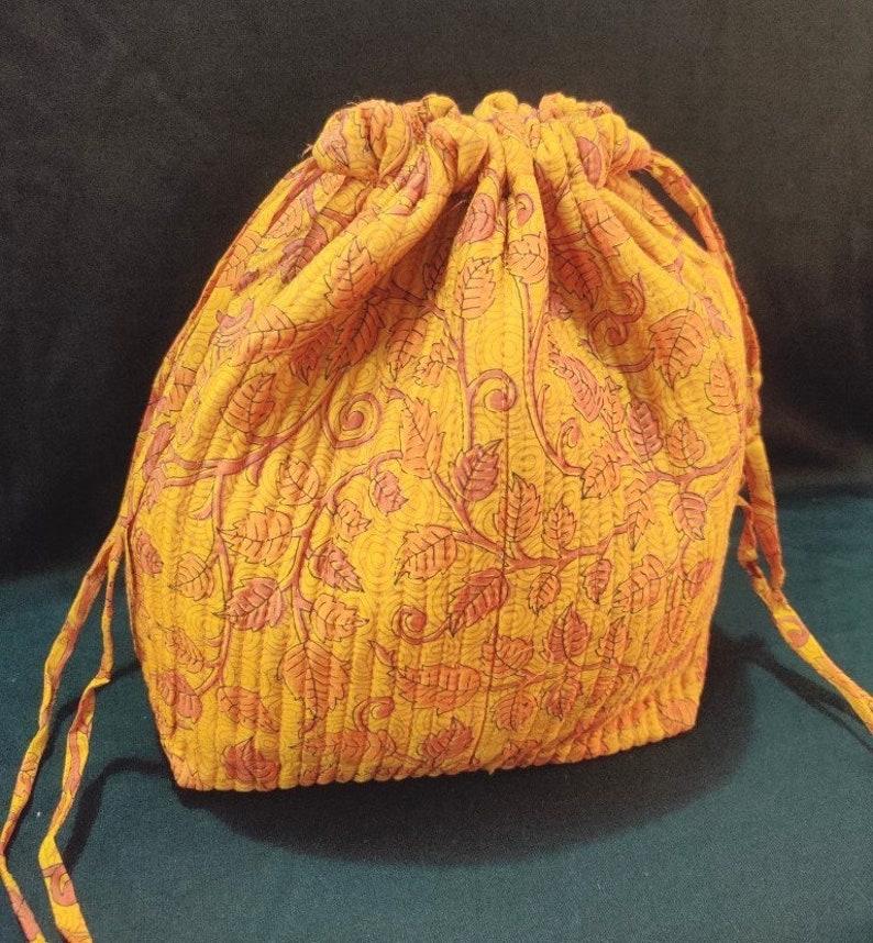 Sari Silk Bag Zero waste Sustainable fabric Bag Quilted bag Potli bag Embroidered Bag Small Bag Recycle Vintage silk sari bags