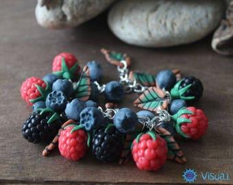"""Браслет из полимерной глины """"Ягодное ассорти""""    Bracelet made of polymer clay """"Berry Assortment"""""""