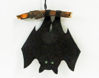 BAT cut from felt and hung from a branch for HALLOWEEN, original decoration for terrifying Halloween scene