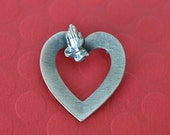 Praying Hands Brooch, Silver Tone, Christian Brooch, Silver Brooch, Heart Brooch, Inspirational Jewelry. Religious Jewelry GS948