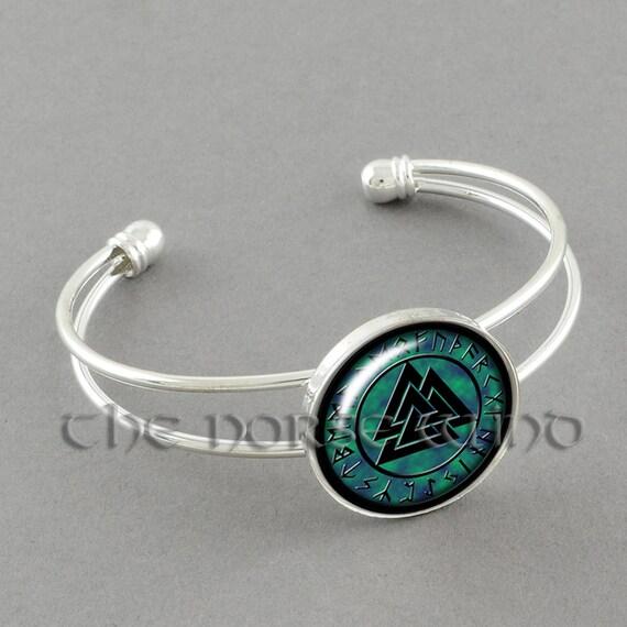 viking bracelet valknut bracelet norse runes odin bracelet etsy. Black Bedroom Furniture Sets. Home Design Ideas