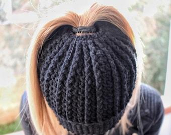 Messy Bun Pattern, Messy Bun Touque, Crochet Hat Pattern, Crochet Patterns, Hat Pattern, Easy Beanie Pattern, Ponytail Hat Pattern