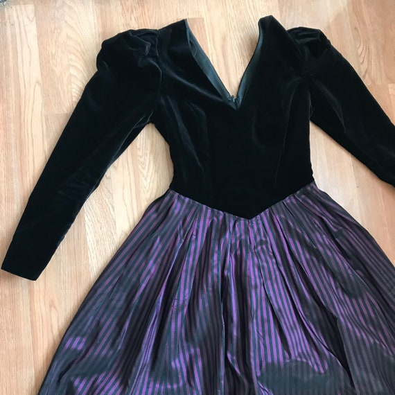 Velvet Gown / Prom Dress / Purple / Beetle Juice D