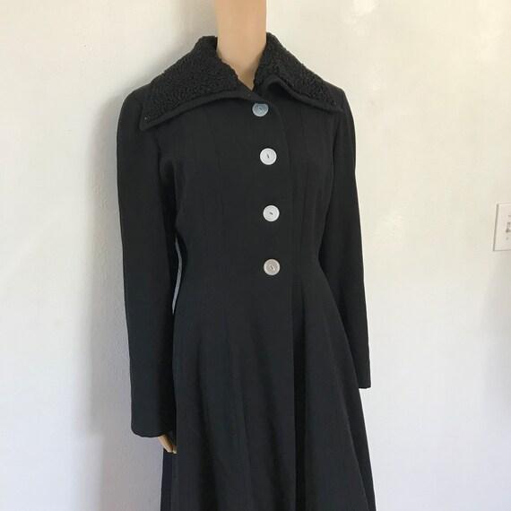 Opera Coat / Wool / Curly Lambswool Persian