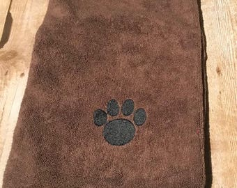 Dog towel, Brown pet towel, personalized dog towel, microfiber towel, dog drying towel, fast drying towel, doggie daycare, dog groomer