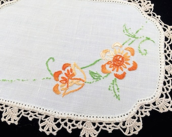 Sandwich Doily. Linen Doily. Oval Doily. Vintage Embroidered Off White Linen Doily with Orange Flowers and Ivory Crochet Lace Edging RBT2952