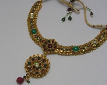 Pendant Necklace . Byzantine style . Jewels of India