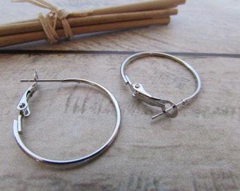 8 rings hoop earring in silver, gold fasteners