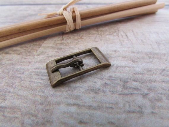 bf46f4a18b3 4 boucle de ceinture lanière de max 8mm métal bronze