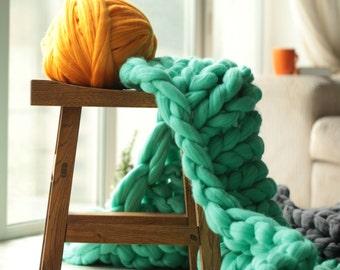 4 lb merino wool yarn.2 KG DIY merino wool. eko merino wool. big skein yarn. huge yarn. Chunky merino wool yarn