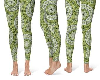 Green Printed Yoga Pants, Abstract Green Snake Mandala Pattern Leggings, Stretchy Leggings Tights
