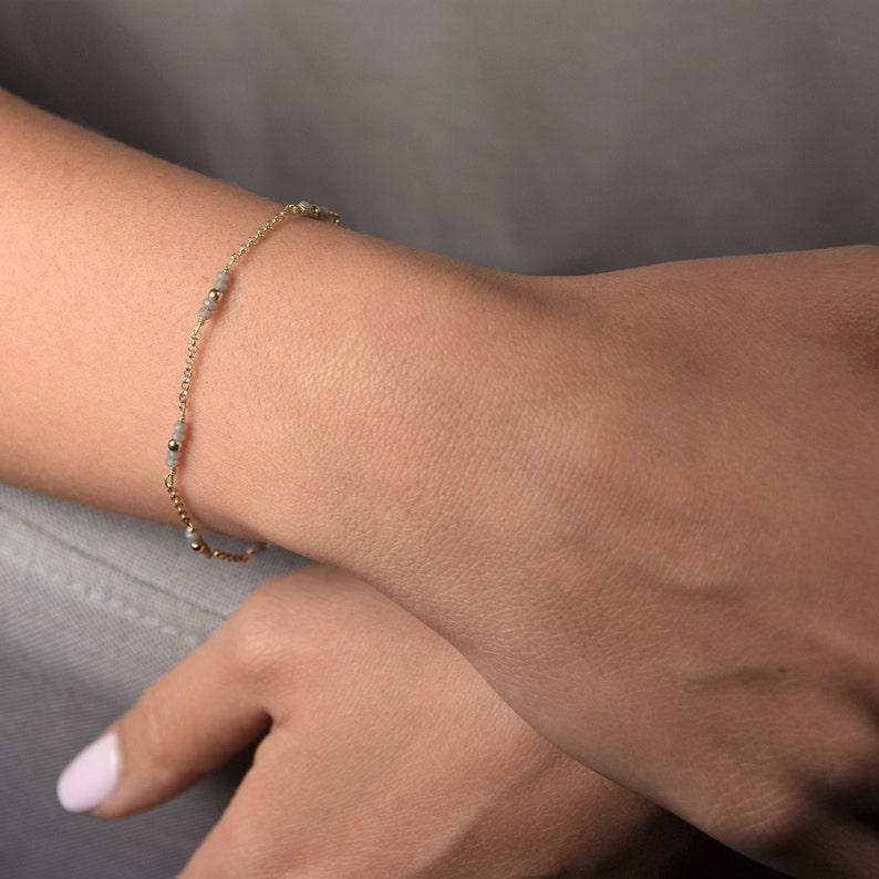 Delicate Beaded Bracelet Small Gold Dainty Beads Bracelet Bridesmaid Gift Idea Simple Bracelet Minimal Bracelet Glass Bead Bar Bracelet