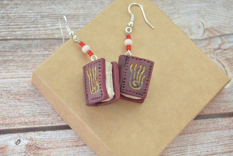 Skyrim magic spell book earrings, School of Destruction, Spell tome  earrings, polymer clay, TES inspired cosplay jewelry, Tiny book earrings