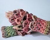 Fingerless gloves. Wrist ...