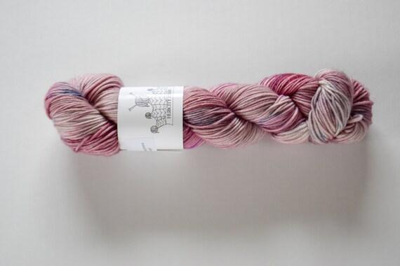 """DELICIOUS: """"ICON"""" hand dyed yarn, handpainted yarn, superwash merino yarn,cashmere, dk yarn, kettle dyed yarn,DK"""